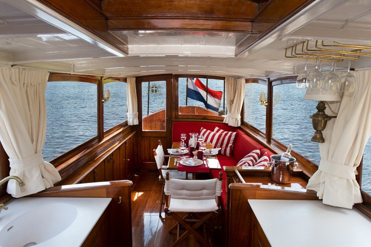 AUTHENTIC SALOON BOAT
