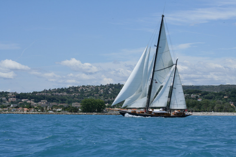 108` A & R WISHBONE KETCH PROJECT SINTRA