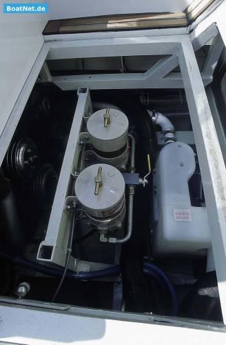 CLASSIC POWERBOAT 33`