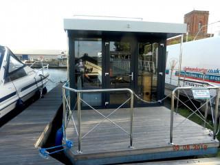Thumbnail - Houseboat Hausboat HB300