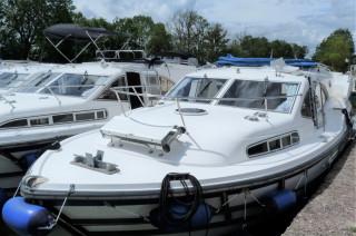 Thumbnail - Haines 34- Hausboot