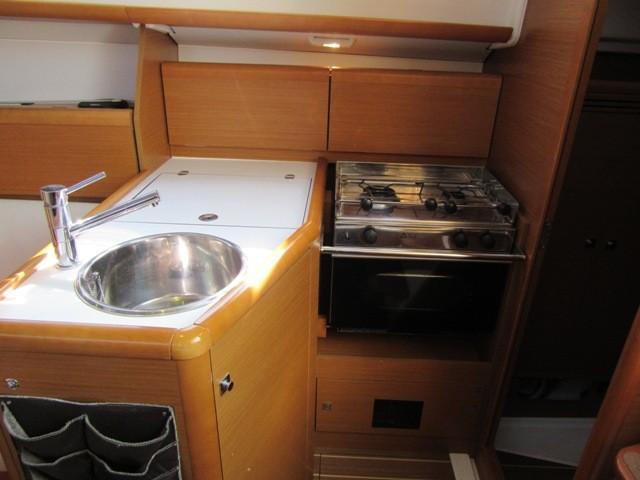 Jeanneau Sun Odyssey 30i for sale at BoatNet de