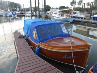 Thumbnail - Tuckerboot