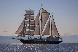 Thumbnail - Passengers ship