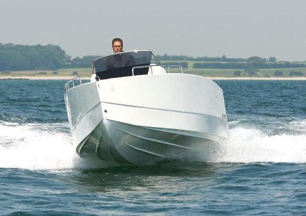 Nuva Yachts M6 open