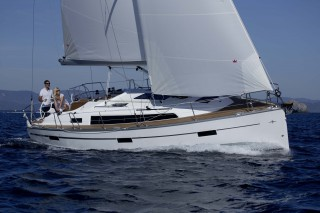 Yacht of the week - '37 BAVARIA Cruiser 37 Blue Edition